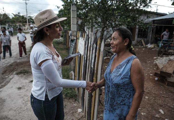 La candidata se comprometió a recorrer los municipios de Quintana Roo para escuchar las necesidades de la gente. (Foto: Redacción)