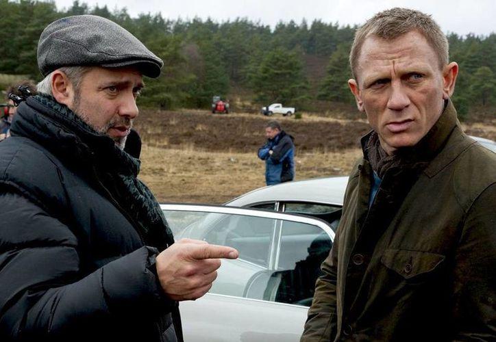 Sam Mendes y Daniel Craig, unidos de nuevo por James Bond. (Agencias)