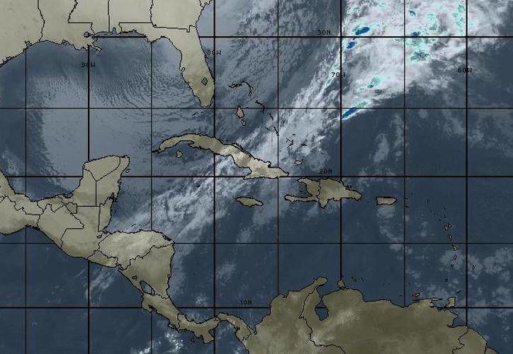 La masa de aire frío asociada mantendrá bajas temperaturas en la Península de Yucatán. (Intellicast)