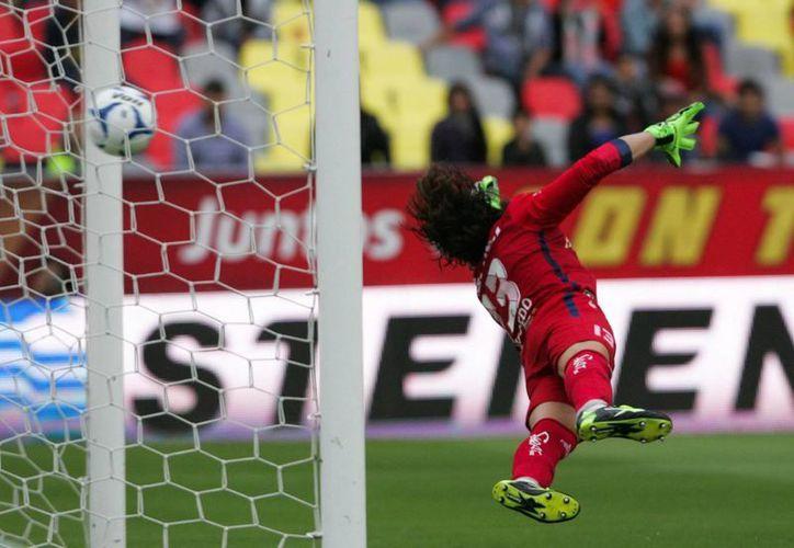 Los Pumas se pusieron adelante en el marcador, luego Morelia se puso arriba 2-1 pero los universitarios alcanzaron el 2-2 en partido de la Liga Mx. (Notimex)
