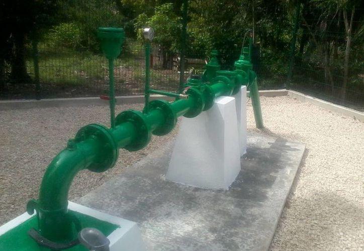 Se instalaron más de 4 mil metros lineales de tubería para lograr la conexión de 135 tomas domiciliarias. (Cortesía/SIPSE)