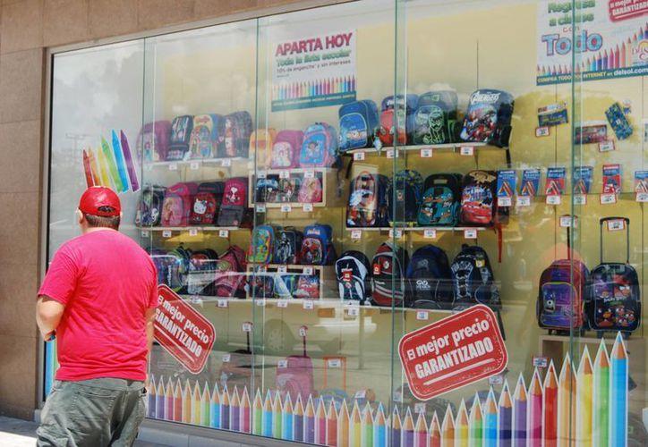 """Profeco encontró productos que tienen la leyenda de """"didáctica"""", """"educativa"""" o incluyen imágenes infantiles pero no son las adecuadas para uso de los niños. (Tomás Álvarez/SIPSE)"""