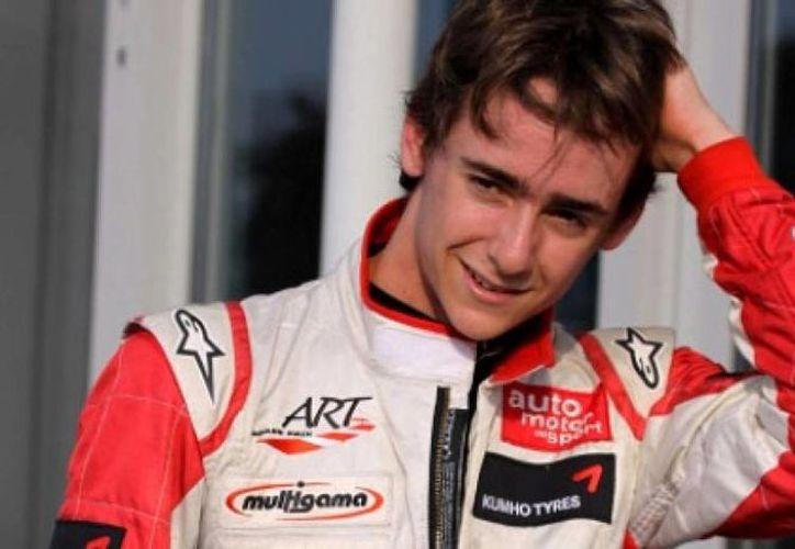 El piloto mexicano fue nombrado Novato del Años 2013 en la Fórmula 1. Este año sumó 6 puntos en 19 carreras. (acirdeportes.com.mx)