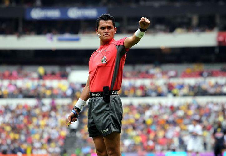 Jorge Antonio Pérez Durán será el árbitro central del duelo entre América vs. Toluca. (Foto: Agencia Reforma)
