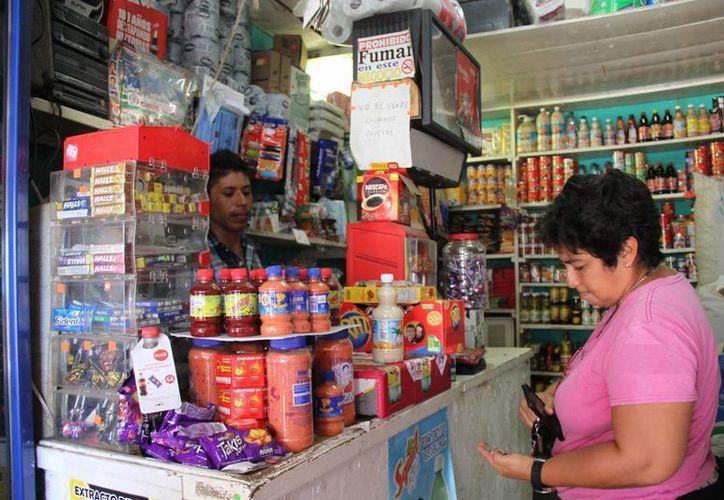 En el primer semestre del año se registró el cierre de negocios como tiendas de abarrotes. (Consuelo Javier/SIPSE)