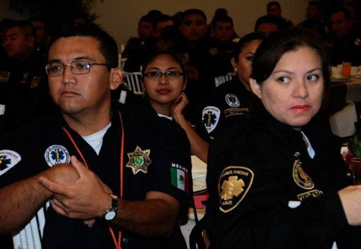 El Gobierno entregó reconocimientos a policías y socorristas, en el acto oficial del Día Internacional del Socorrista, en el Centro de Convenciones Yucatán Siglo XXI. (Jorge Acosta/SIPSE)