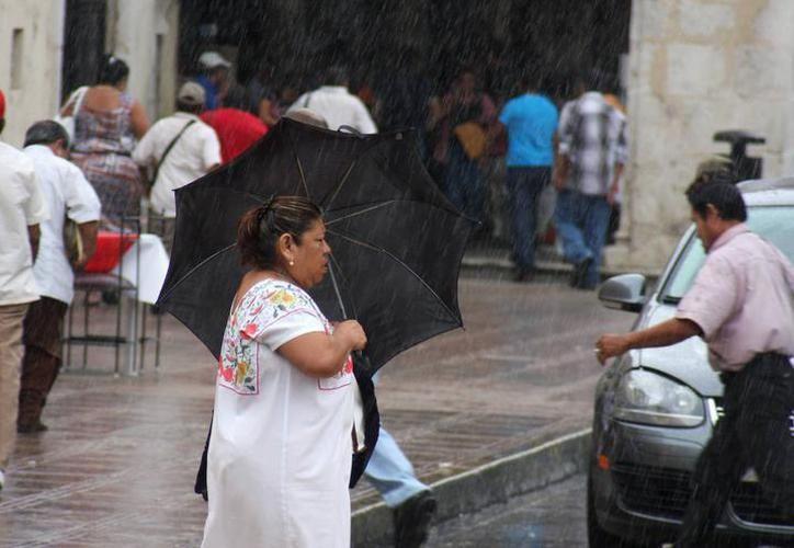 Pronósticos aseguran que las lluvias se mantendrán para los próximos tres meses, con mayor incidencia en el sur del Estado. (SIPSE)