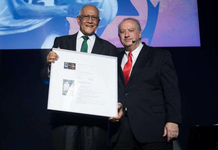 Manuel Raga se convierte en el primer mexicano en ingresar al salón de la fama de la FIBA. (as.com)