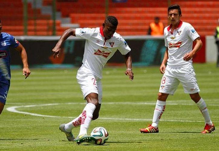 Algunos futbolistas de Ecuador no cobran sueldo desde hace algunos meses. (Facebook)