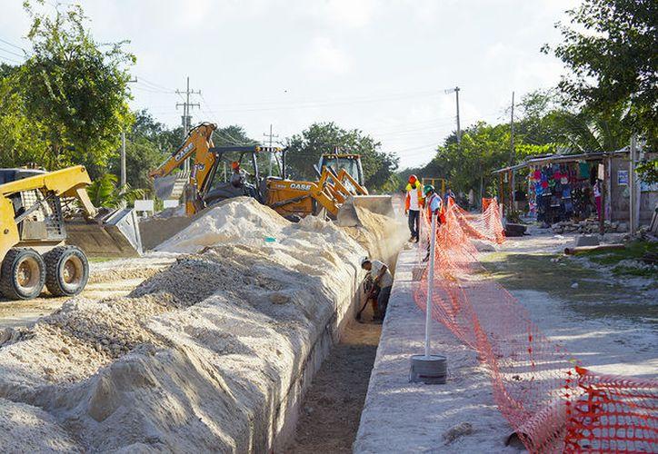 Destinan una millonaria inversión para las obras en Puerto Morelos. (Cortesía)