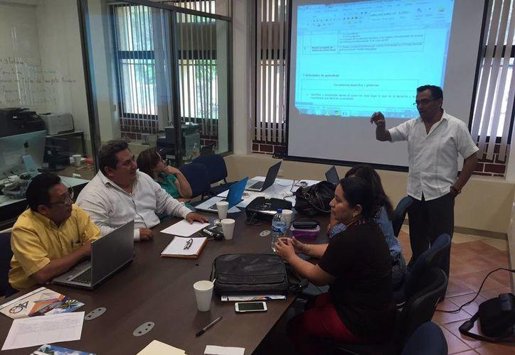 El análisis de estos temas se realiza durante esta semana en las instalaciones de la Instituto Tecnológico en Chetumal. (Gerardo Amaro/SIPSE)