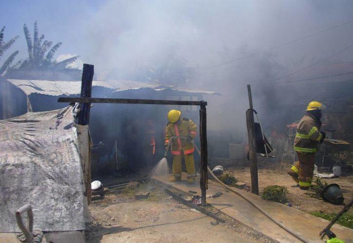 Los daños materiales son de aproximadamente 40 mil pesos. (Claudia Martín/SIPSE)