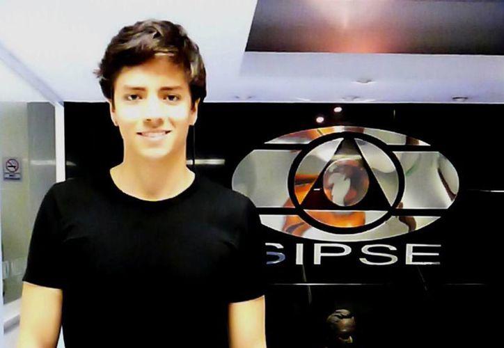 El cantante colombiano LaFaurie está de visita en Mérida para dar a conocer su música. (SIPSE)