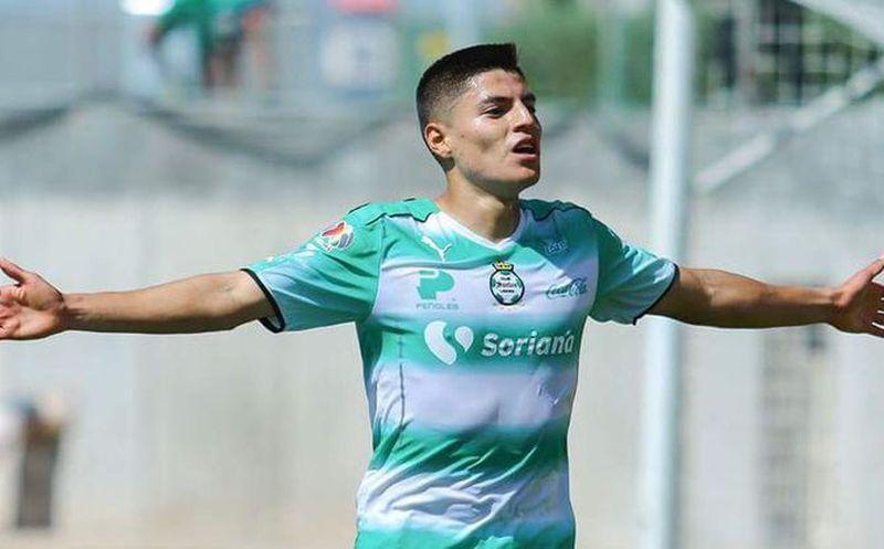 Chivas refuerza su delantera con Ronaldo Cisneros — OFICIAL