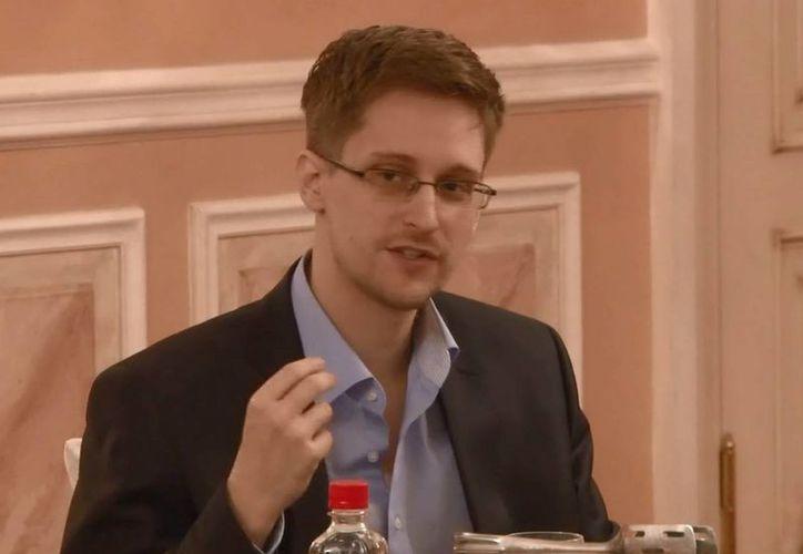 Captura de un video realizado por Wikileaks el pasado 12 de octubre, durante una conferencia de Edward Snowden en Moscú. (Archivo/EFE)