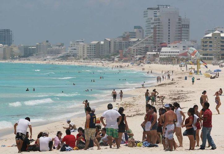 Los prestadores de servicios deben conocer la ubicación de los turistas. (Israel Leal/SIPSE)