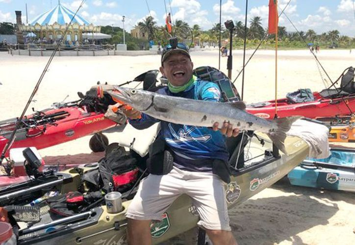 Capturó dos barracudas que le merecieron el triunfo. (Foto: Novedades Yucatán)