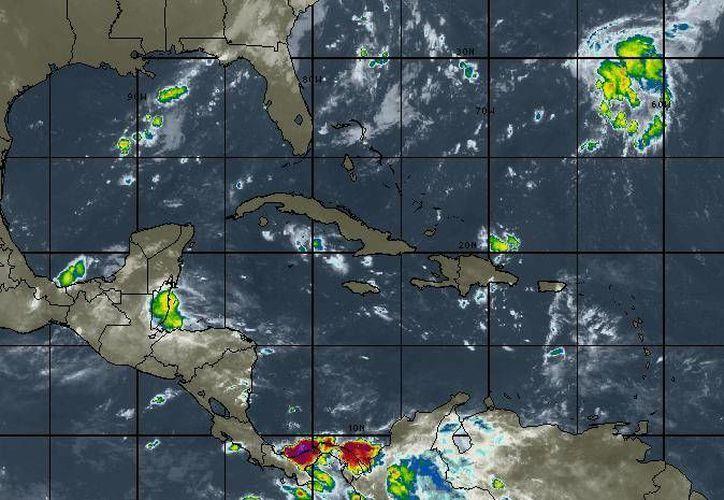 Se espera cielo nublado, con 40 por ciento de probabilidad de lluvias en Cancún. (Intellicast)