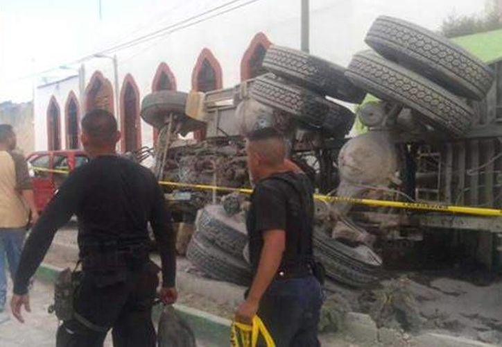 Un grupo de peregrinos fue arrollado cuando se dirigían a Mazapil, Zacatecas. Hay al menos 16 muertos. (Foto: Tomada de Twitter @mrodriguezmuro)