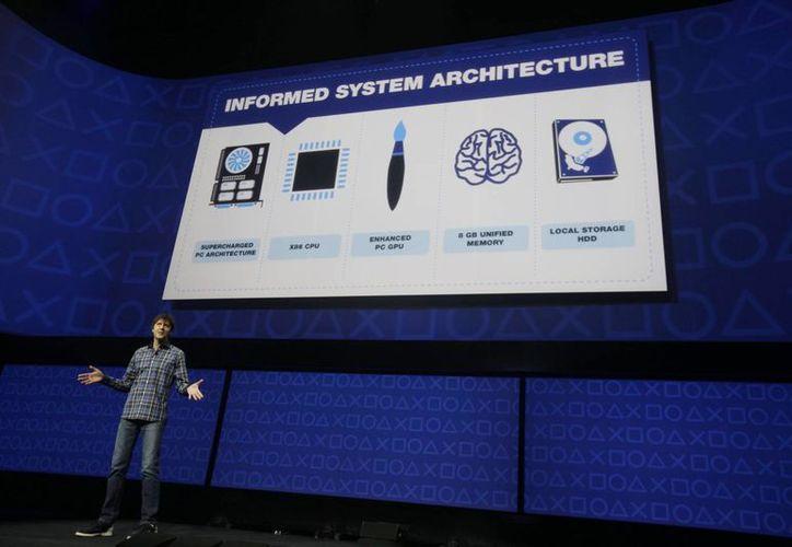 Mark Cerny, durante el anuncio del nuevo playstation 4 en Nueva York. (Agencias)