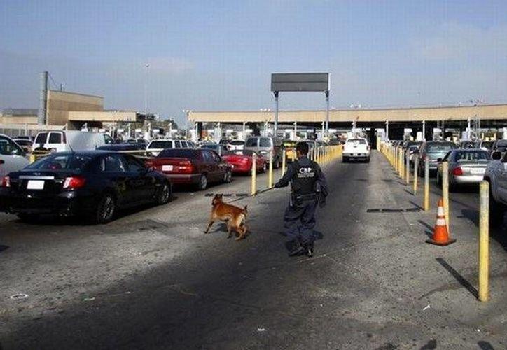 El cruce fronterizo permaneció abierto de México a Estados Unidos. (Agencias)