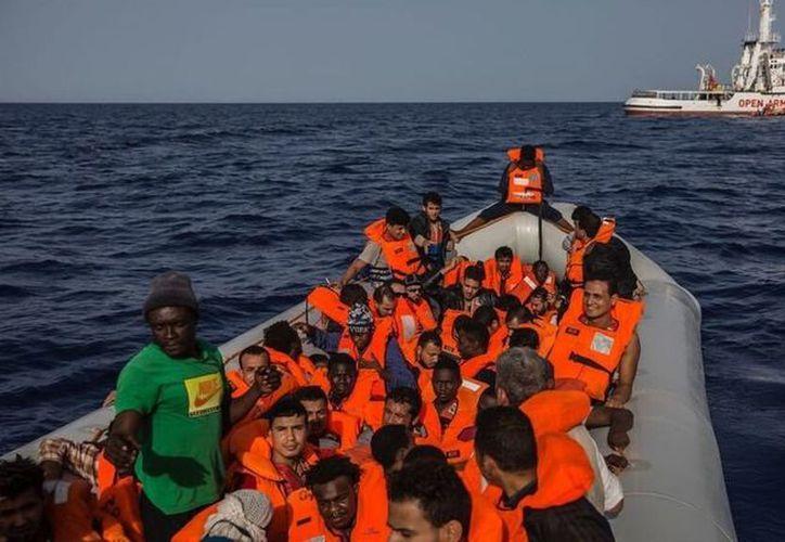 En el buque fueron rescatados inmigrantes en las costas de Libia. (Contacto Hoy)