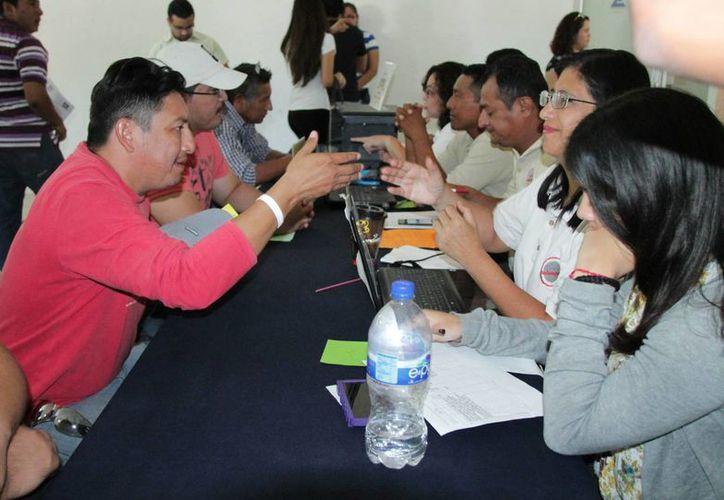 Ayudan mesas de mediación a salvar patrimonio de 500 trabajadores, derechohabientes del Infonavit. (Fotos cortesía del Gobierno estatal)