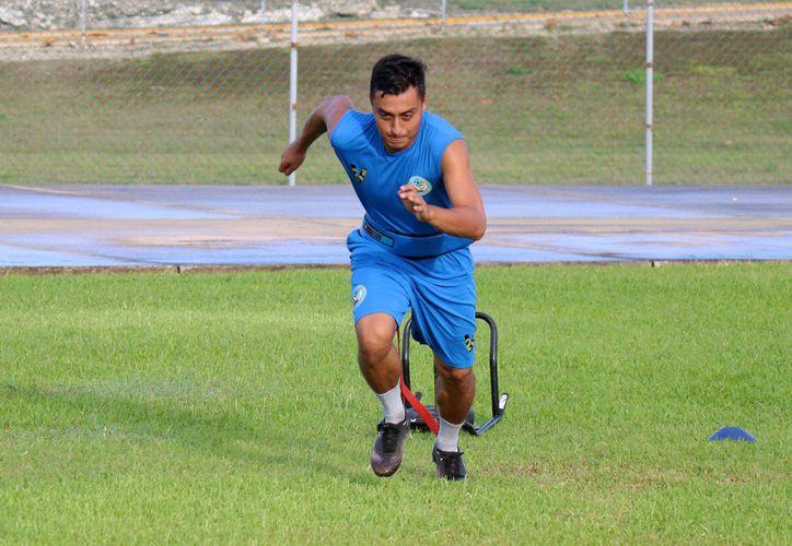 Los jugadores de Yalmakán buscan obtener un lugar en el cuadro titular del equipo.  (Miguel Maldonado/SIPSE)