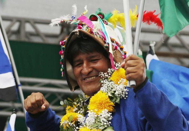 El Presidente de Bolivia, Evo Morales, sonríe durante el cierre de campaña por el 'Sí', en El Alto, Bolivia. (Agencias)