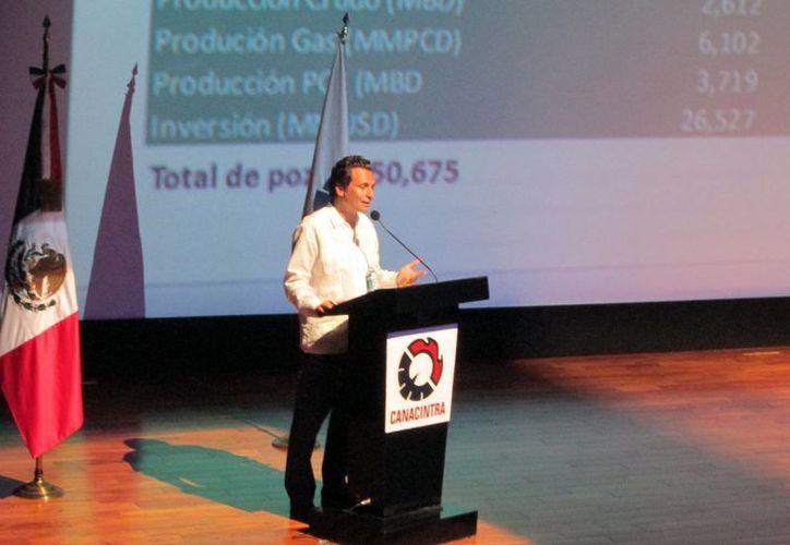 El director general de Pemex impartió una conferencia sobre la Reforma Energética. (Ana Hernández/SIPSE)