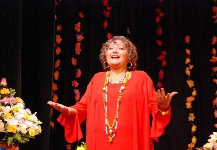 A lo largo de su trayectoria, Madeline Lizama 'Candita' ha recibido numerosos reconocimientos. (SIPSE)