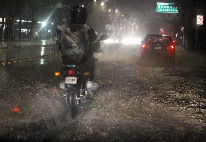 Estados como Chihuahua y Nayarit registrarán lluvias por la influencia de la depresión tropical 16-E, ubicada en el Pacífico. (Archivo/Notimex)