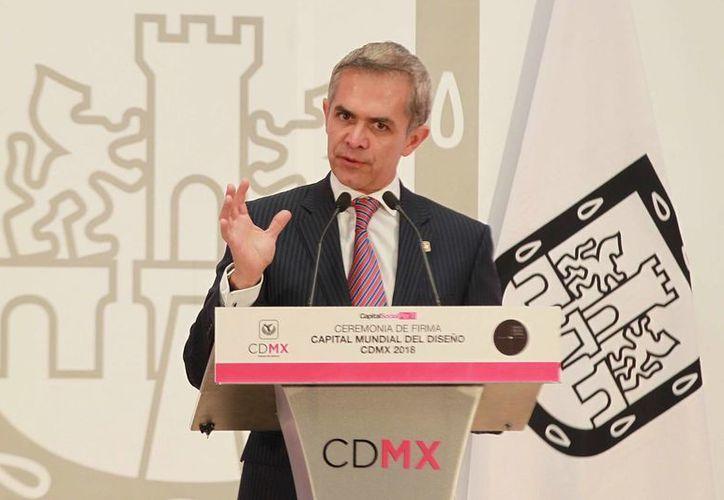 Miguel Ángel Mancera tiene un sueldo de 107 mil pesos mensuales, según su declaración 3de3. (Archivo/Notimex)
