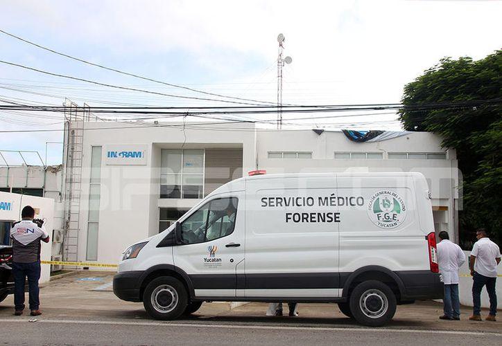 El cuerpo fue hallado dentro de las instalaciones de la empresa. (Jorge Pallota/SIPSE)