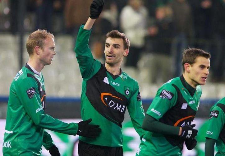 El belga Gregory Mertens, quien el lunes sufrió un inarto en pleno partido profesional, fue inducido a un coma, pero este jueves falleció. (101greatgoals.com/Foto de archivo)