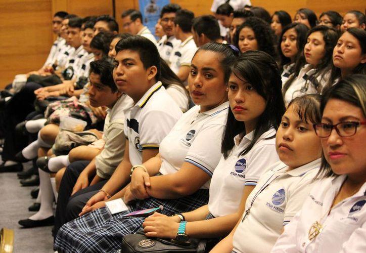 La demanda de espacios educativos a llevado a que se implementen nuevas estrategias. (Foto: Adrián Barreto)