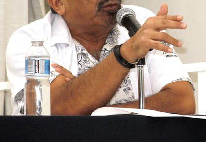 El jefe del Programa Integral de Atención al Suicidio, Gaspar Baquedano López. (Milenio Novedades)