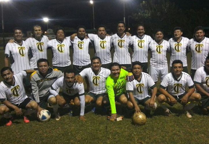 Taxistas fue el último campeón que surgió de esta Liga, en la categoría de Veteranos Plata. (Ángel Villegas/SIPSE)