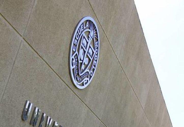 Llevan a la Escuela de Negocios de la Universidad Modelo experiencias de empresarios yucatecos para los alumnos. (Milenio Novedades)