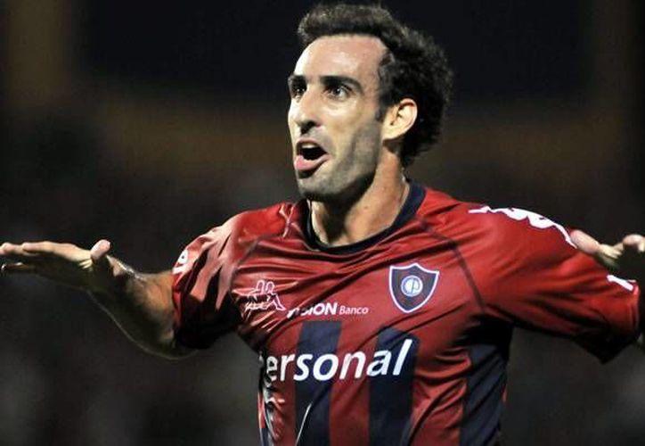 El atacante argentino llega con enormes credenciales tras su paso por Cerro Porteño. (www.futbolargentino.com)
