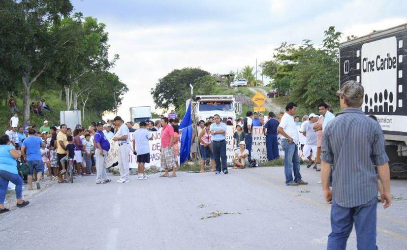 Regidores expresaron su preocupación por los hechos ocurridos el pasado sábado en Nicolás Bravo. (Harold Alcocer/SIPSE)