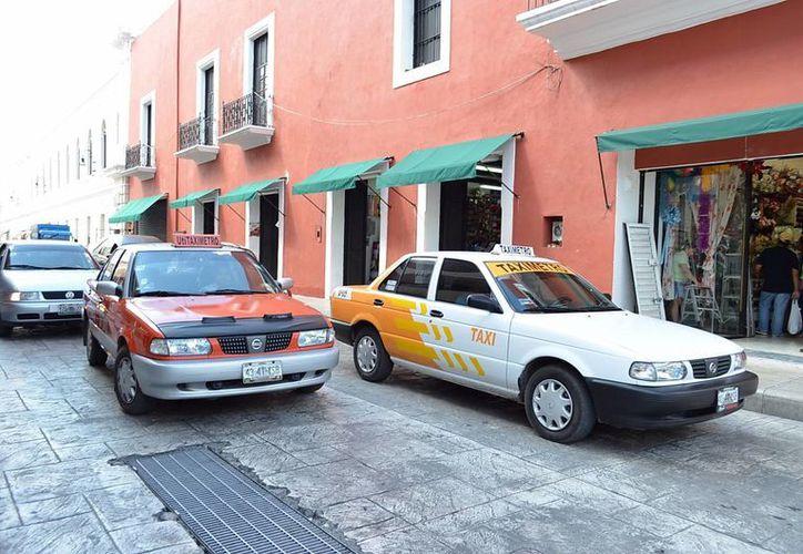 Consideran que los taxistas de Mérida deben adecuarse a los nuevos tiempos y trabajan en crear su propia app. (Milenio Novedades)