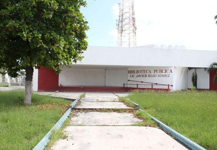 Sólo la Biblioteca Rojo Gómez está catalogada dentro de la Red Nacional de Bibliotecas Públicas, pero está abandonada. (Joel Zamora/SIPSE)
