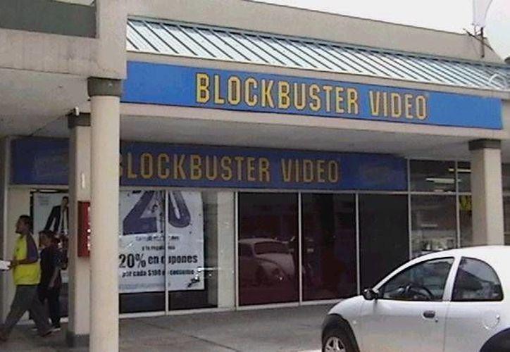 Con la compra de Blockbuster México, Elektra pretende reforzar su plataforma actual de servicios financieros, e impulsar la transformación de la red de distribución de entretenimiento digital. (poderpda.com)