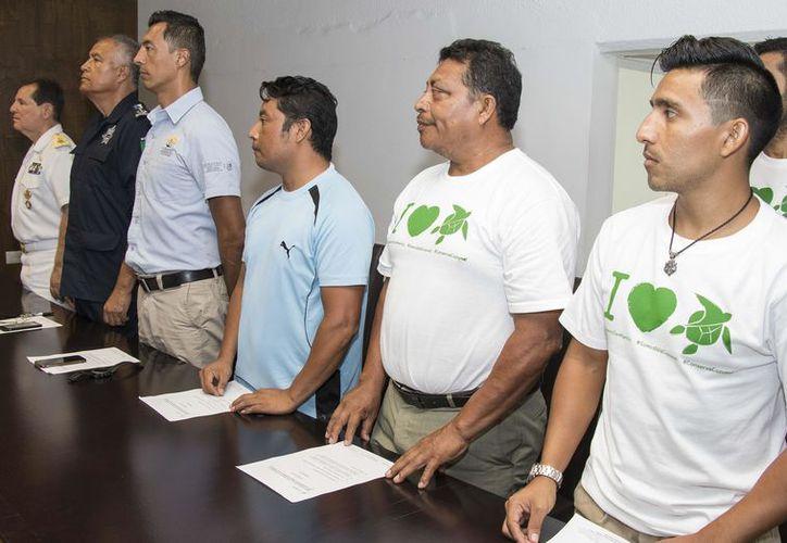 El 18 de mayo de 2017 se instaló en la isla Comité Municipal de Protección a la Tortuga Marina (CMPTM) Temporada 2017. (Gustavo Villegas/SIPSE)