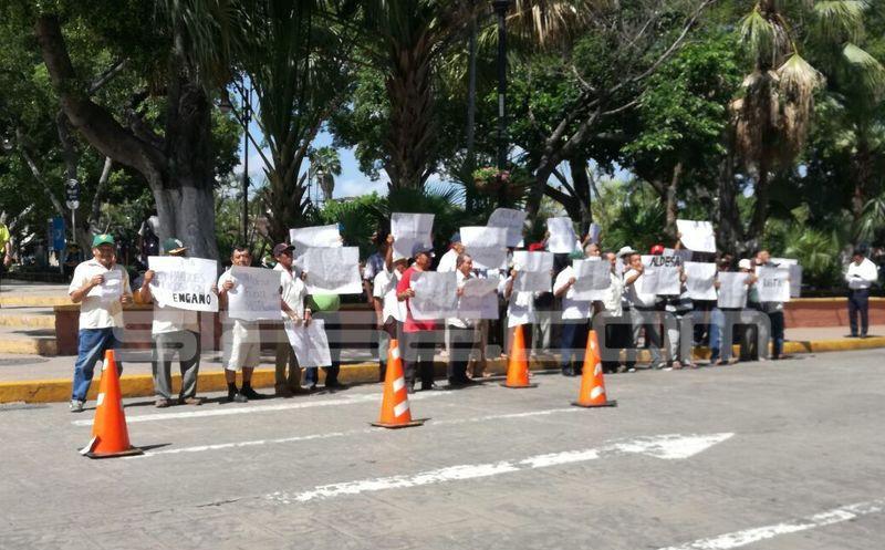 Extranjeros quieren despojarnos de tierras, denuncian ejidatarios