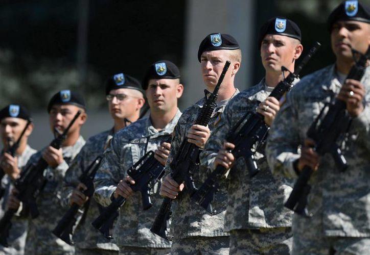 El presidente Obama destacó el  'brillante valor' de los tres militares fallecidos en el ataque a la base de Fort Hood, en Texas. (EFE)