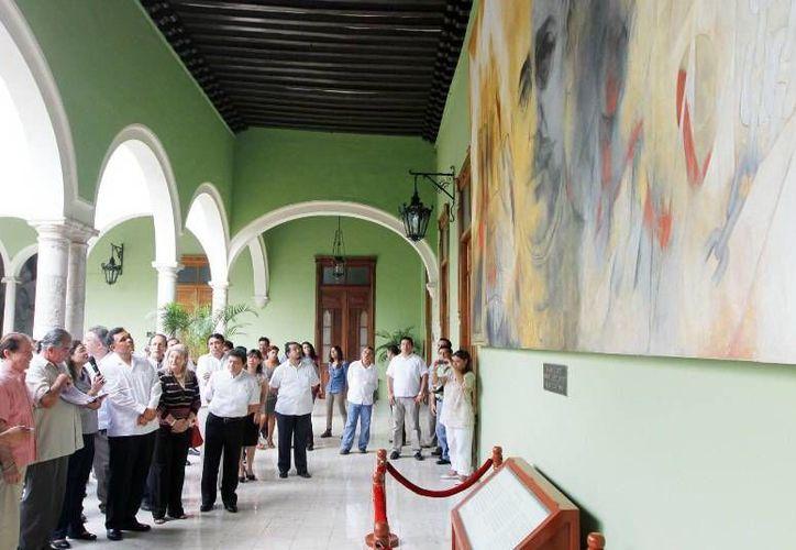 Los curadores expertos del INBA mostraron su trabajo plasmado en los murales. (Milenio Novedades)