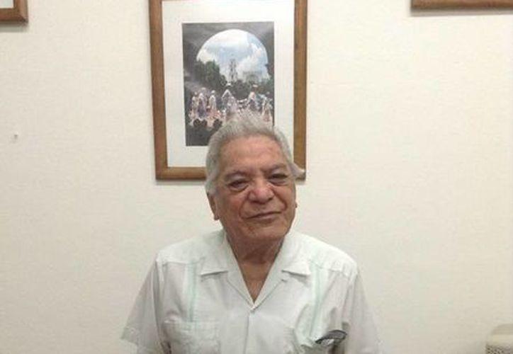 Uno de los recipiendarios del premio Ayuntamiento de Mérida a la Cultura Ciudadana, Antonio Camargo Carrasco. (Cortesía)