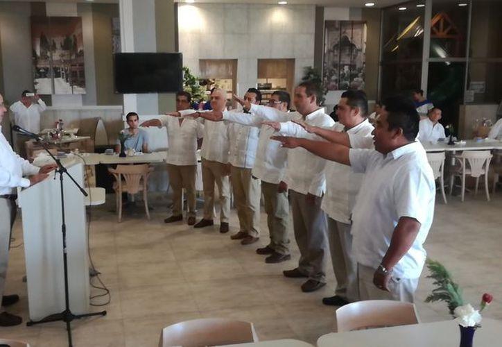 Tomó protesta la primera directiva de la Asociación Mexicana de la Industria de la Construcción, en Solidaridad. (Redacción/SIPSE)